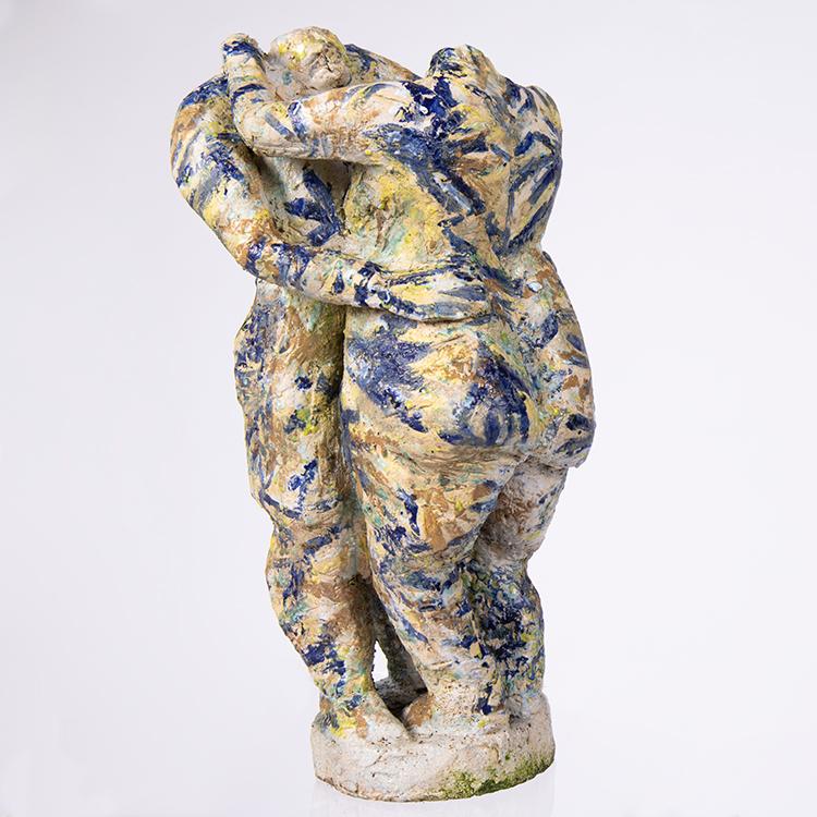 Jan F. van Beelen, De Omhelzing, 1989-1990, geglazuurd aardewerk.